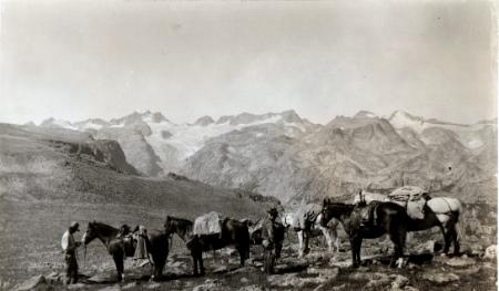 historic photo of a pack team in the Wind Rivers