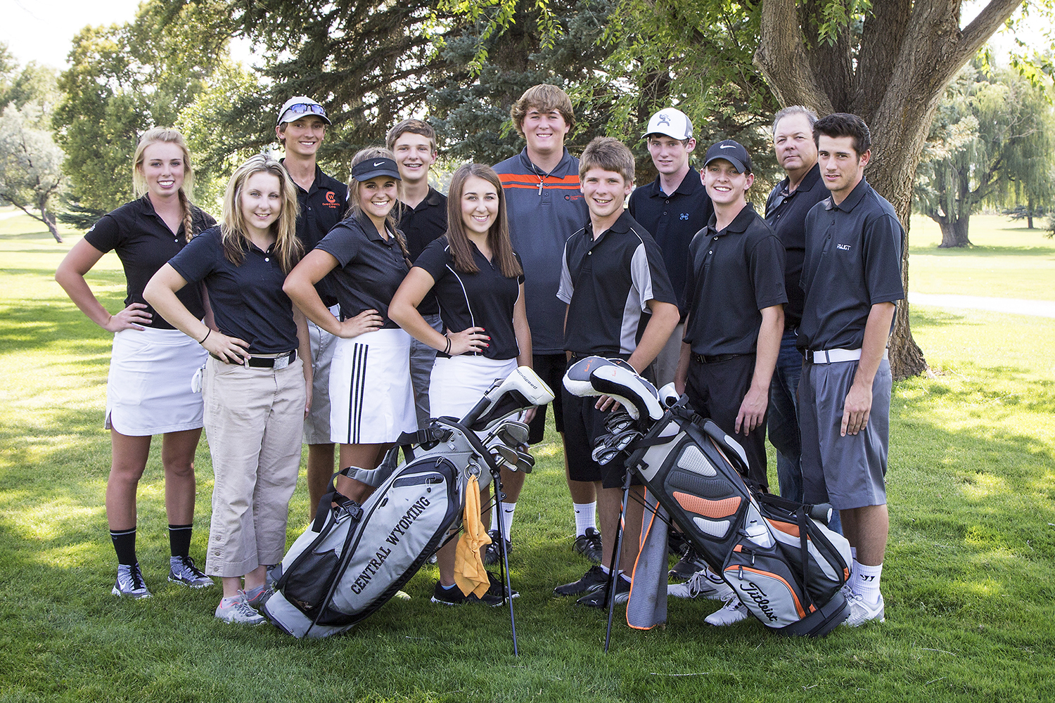 central wyoming college's men and women's team golf photo