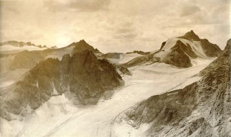 photo of the glaciers in the Winds circa 1922